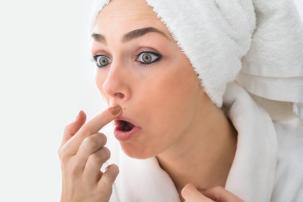 comment enlever les boutons d acn avec du dentifrice. Black Bedroom Furniture Sets. Home Design Ideas